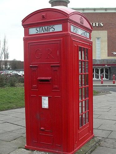 Cabines téléphoniques rouges modèle K4