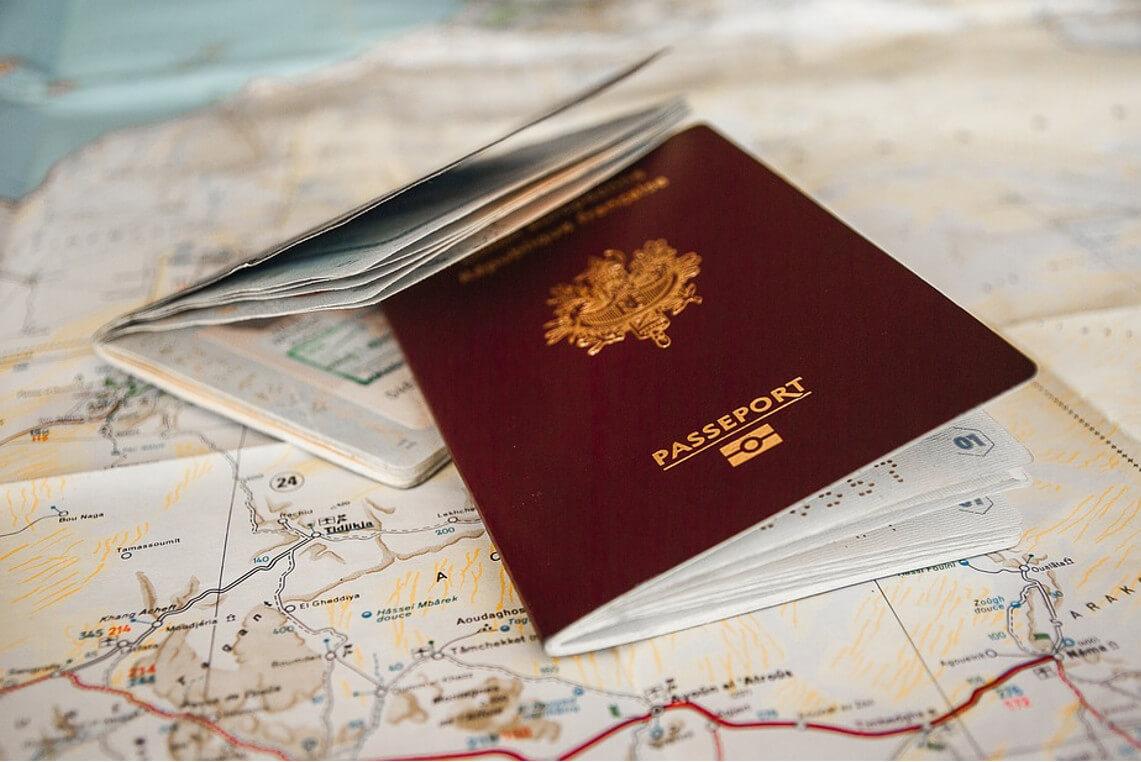 Douane Londres carte identité ou passeport