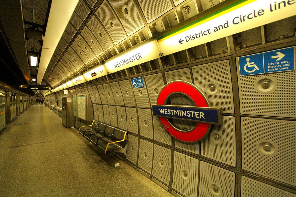 Métro de Londres, station Westminster